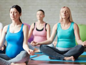 le yoga prénatal pour se préparer à l'accouchement