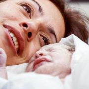 rôle de l'ocytocine pendant l'accouchement
