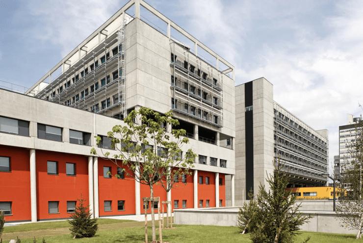 Maternité de l' Hôpital de la Femme, la Mère et l'Enfant