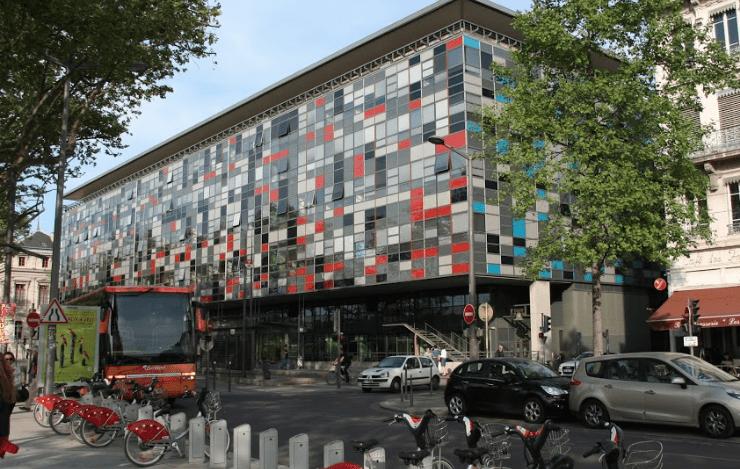 Maternité du Centre Hospitalier Saint-Joseph-Saint-Luc